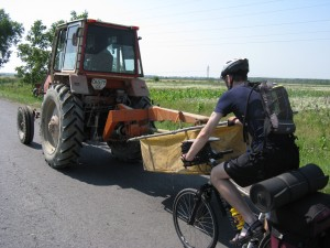 Brain Racing MTB Expedition Ukraine 2009 - the power of tractor