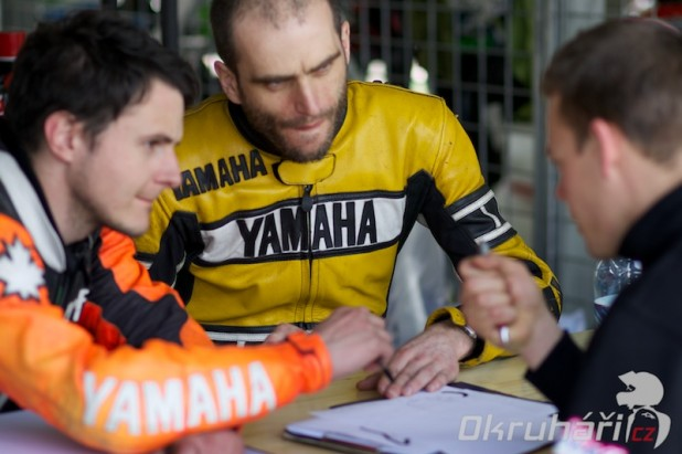 Brainracing.eu Filla Racing Academy - Michal se snazi klukum nalit do hlavy maximum